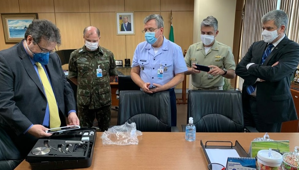 Avibras donates videolaryngoscope kits to the Ministry of Defense